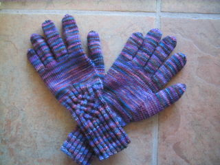 Knotty Gloves 001