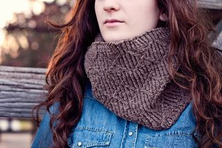 Long cowl wrapped (1024x683)